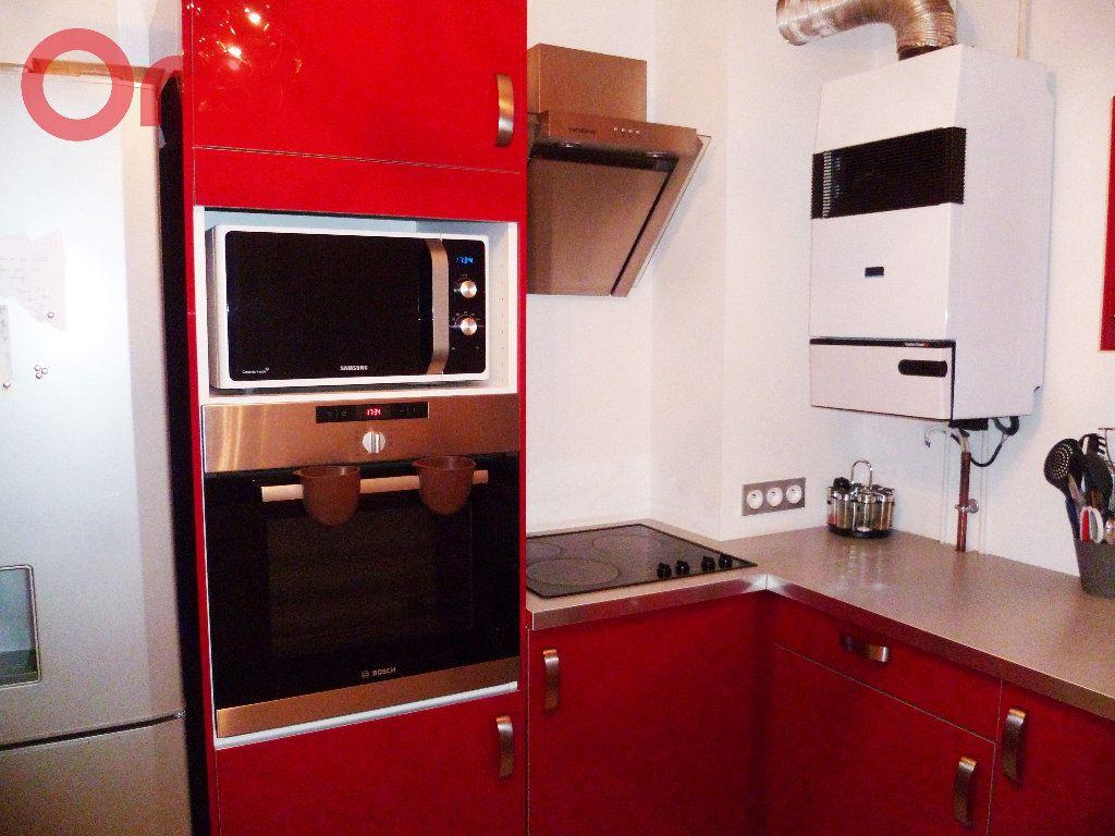Appartement à vendre 2 50m2 à Seyssinet-Pariset vignette-2