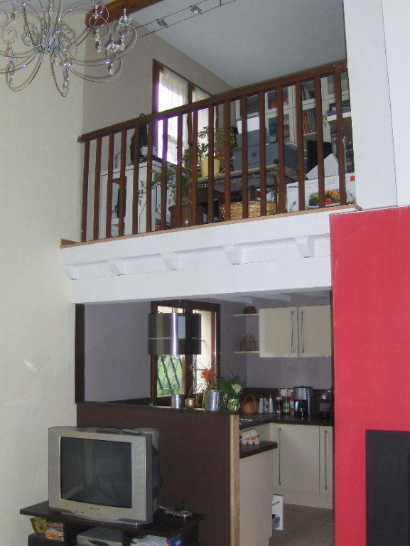 Maison à louer 5 102m2 à Sassenage vignette-4