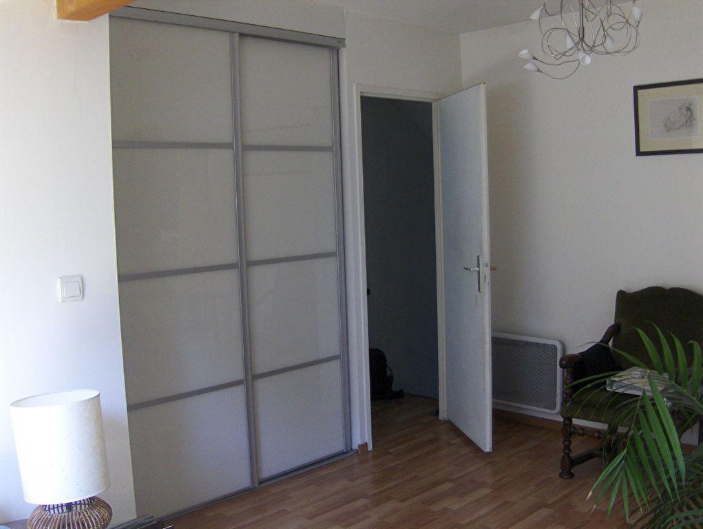 Maison à louer 5 102m2 à Sassenage vignette-5