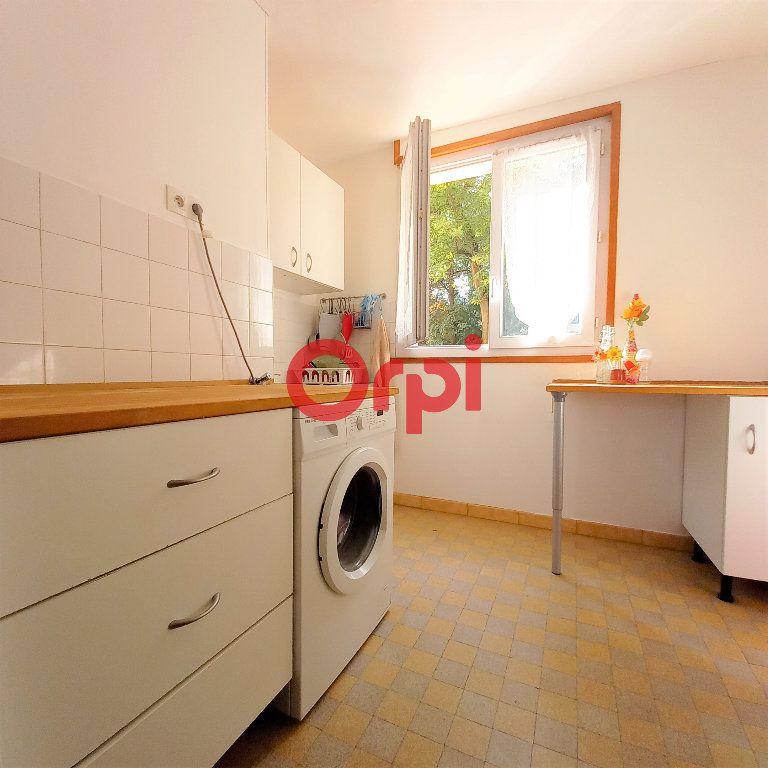 Appartement à vendre 3 50.49m2 à Saint-Égrève vignette-1