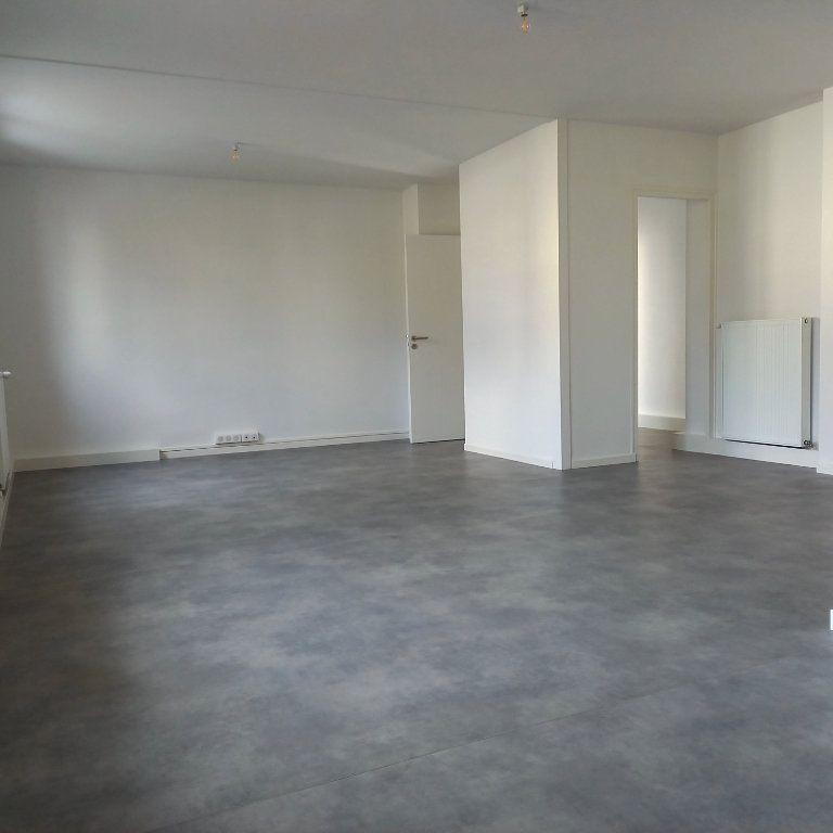 Appartement à louer 3 65m2 à Saint-Égrève vignette-1