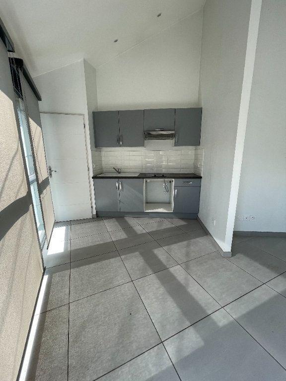 Appartement à louer 2 37.5m2 à Fontaine vignette-1