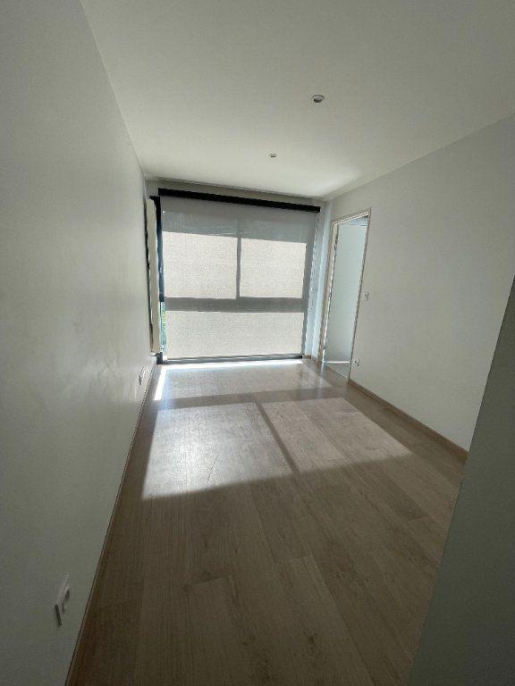 Appartement à louer 2 37.5m2 à Fontaine vignette-2