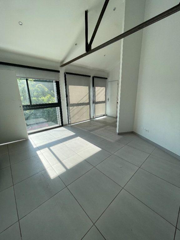 Appartement à louer 2 37.5m2 à Fontaine vignette-3