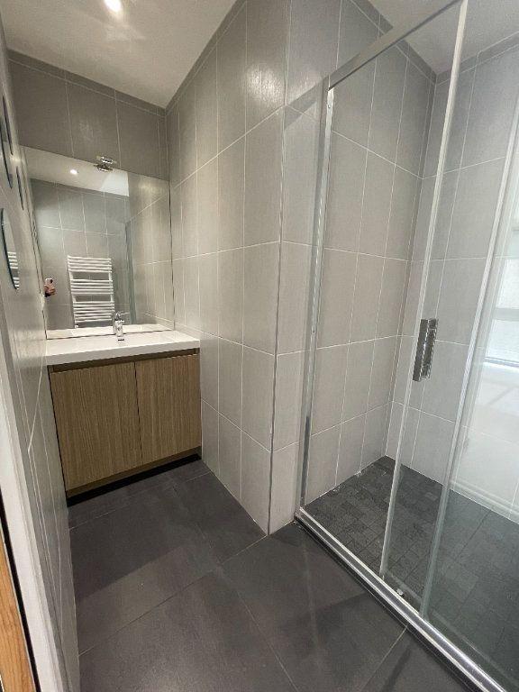 Appartement à louer 2 37.5m2 à Fontaine vignette-4
