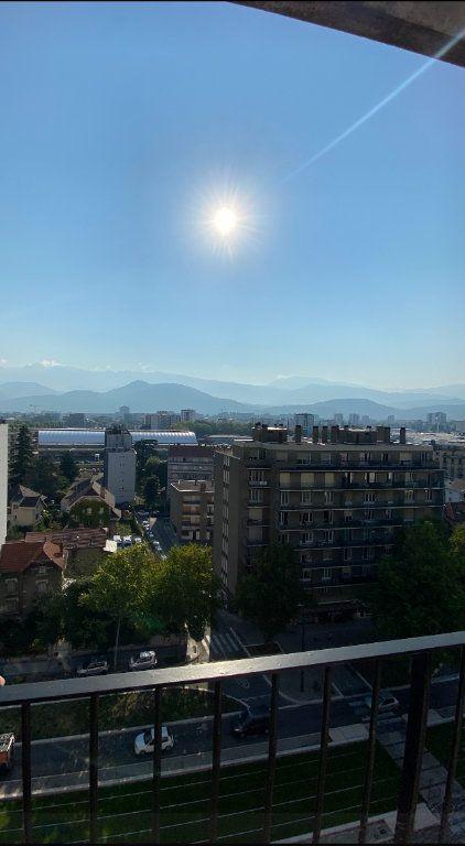 Appartement à louer 3 74.3m2 à Grenoble vignette-1