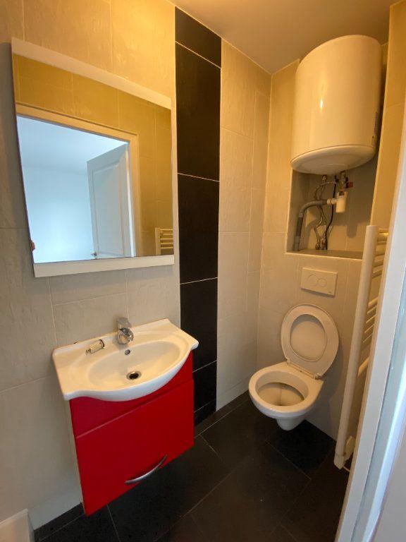 Appartement à louer 1 16m2 à Romainville vignette-6