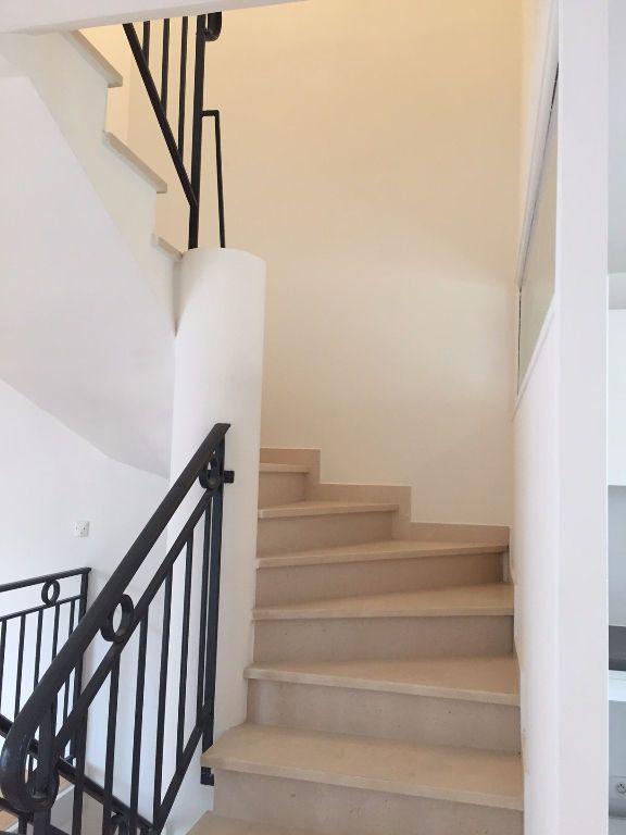 Maison à louer 4 97m2 à Bagnolet vignette-6