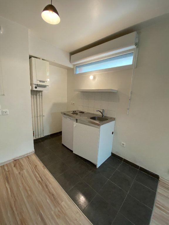 Appartement à louer 1 24m2 à Noisy-le-Sec vignette-3