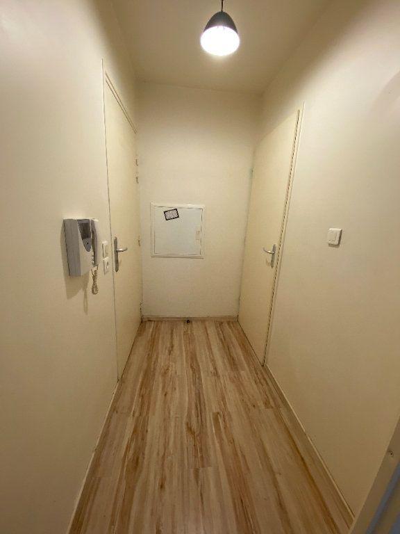 Appartement à louer 1 24m2 à Noisy-le-Sec vignette-6