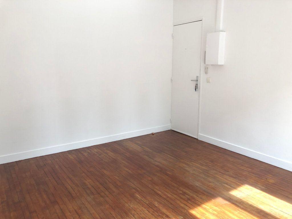 Appartement à louer 1 22m2 à Noisy-le-Sec vignette-4