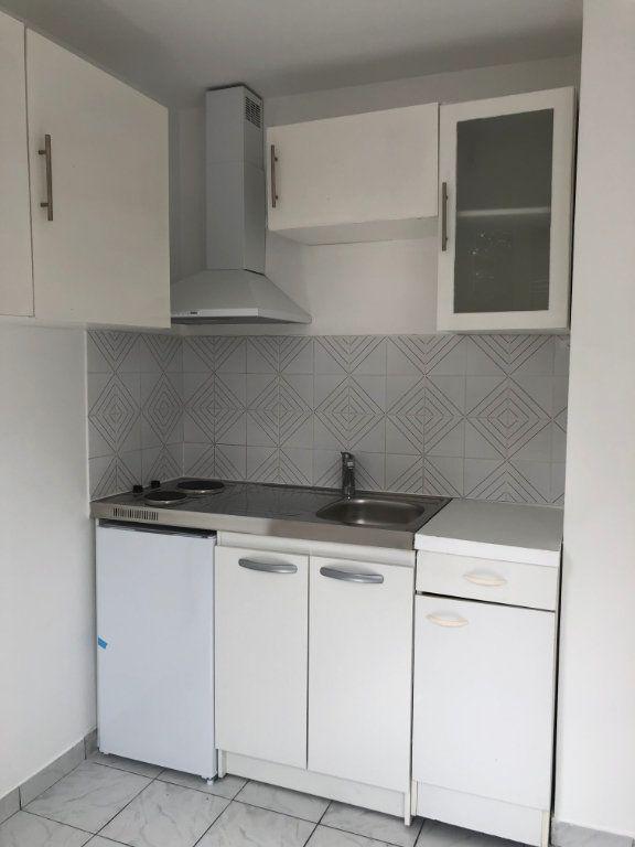Appartement à louer 1 22m2 à Noisy-le-Sec vignette-5