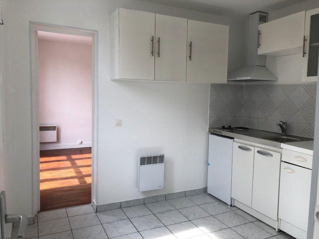 Appartement à louer 1 22m2 à Noisy-le-Sec vignette-6