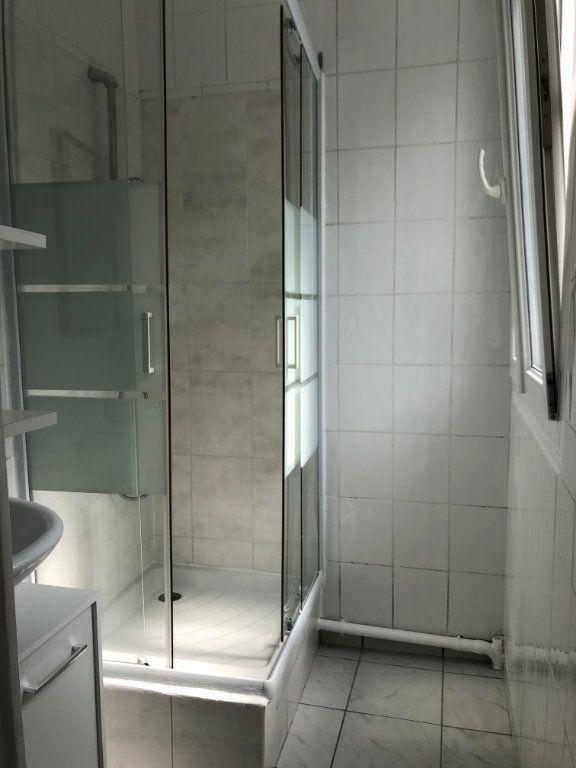 Appartement à louer 1 22m2 à Noisy-le-Sec vignette-10