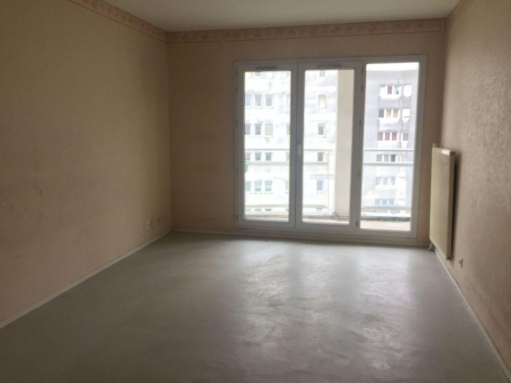 Appartement à louer 2 49m2 à Bondy vignette-1