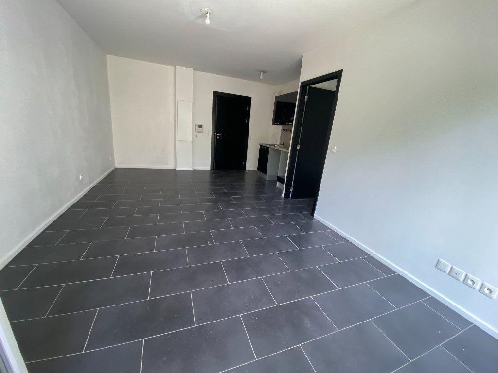 Appartement à louer 2 40m2 à Romainville vignette-3
