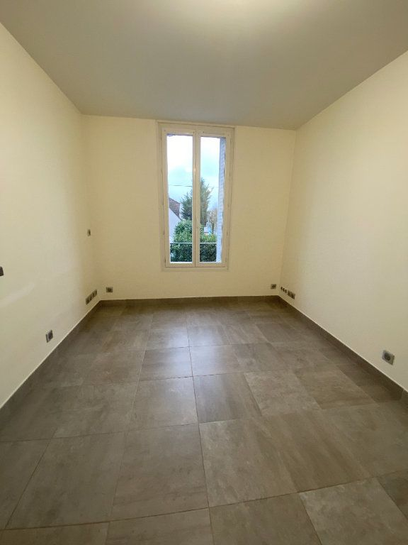 Appartement à louer 1 18m2 à Les Pavillons-sous-Bois vignette-3