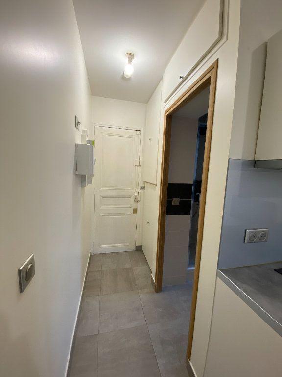 Appartement à louer 1 18m2 à Les Pavillons-sous-Bois vignette-7