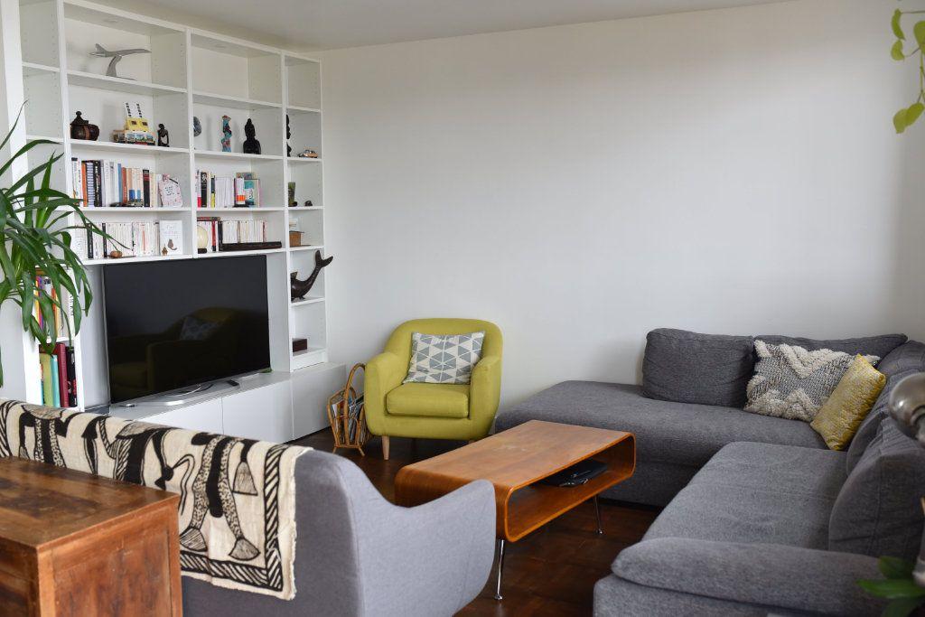 Appartement à louer 3 62m2 à Romainville vignette-1
