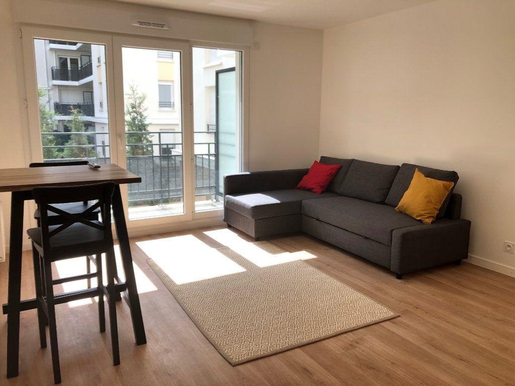 Appartement à louer 2 39m2 à Romainville vignette-1