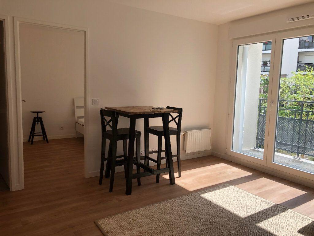 Appartement à louer 2 39m2 à Romainville vignette-3