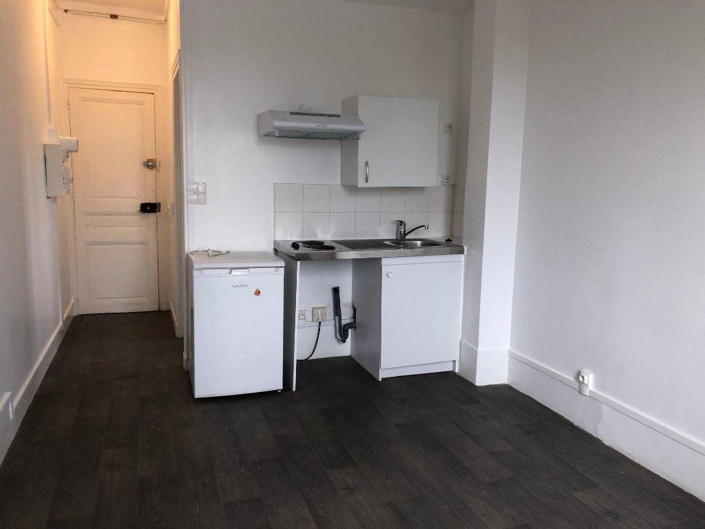 Appartement à louer 1 20m2 à Les Pavillons-sous-Bois vignette-3