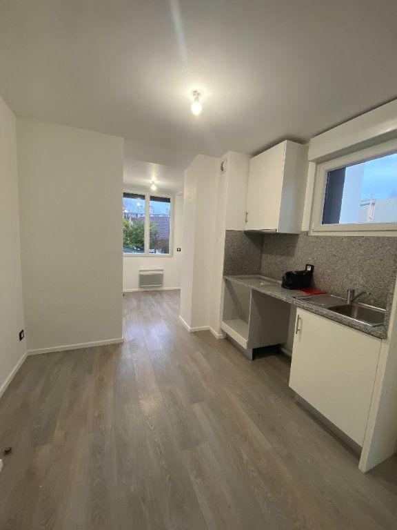 Appartement à louer 1 24m2 à Saint-Maur-des-Fossés vignette-4
