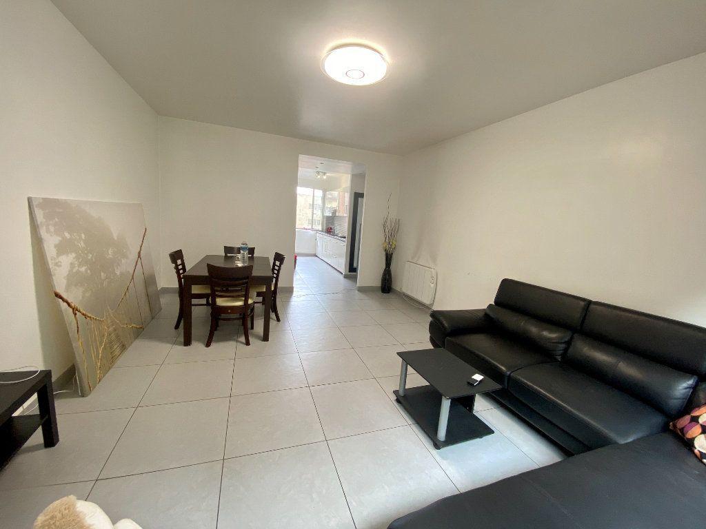 Appartement à louer 3 67m2 à Noisy-le-Sec vignette-3