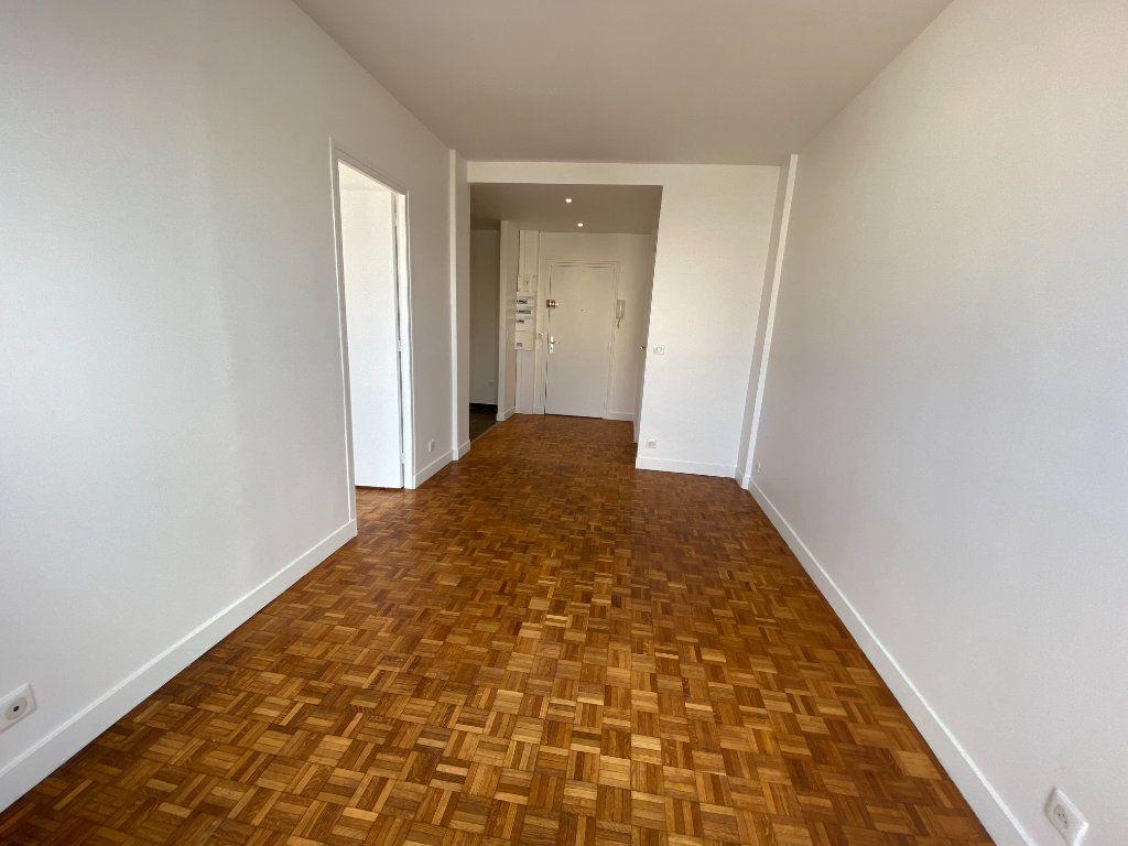 Appartement à louer 3 53m2 à Romainville vignette-4