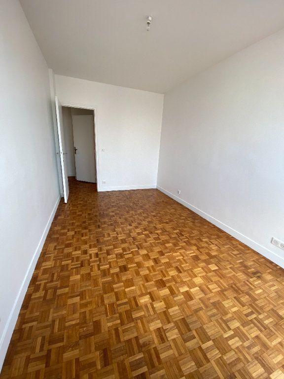 Appartement à louer 3 53m2 à Romainville vignette-8