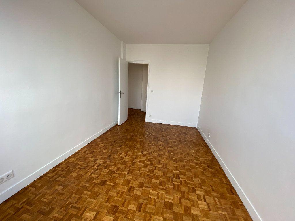 Appartement à louer 3 53m2 à Romainville vignette-9