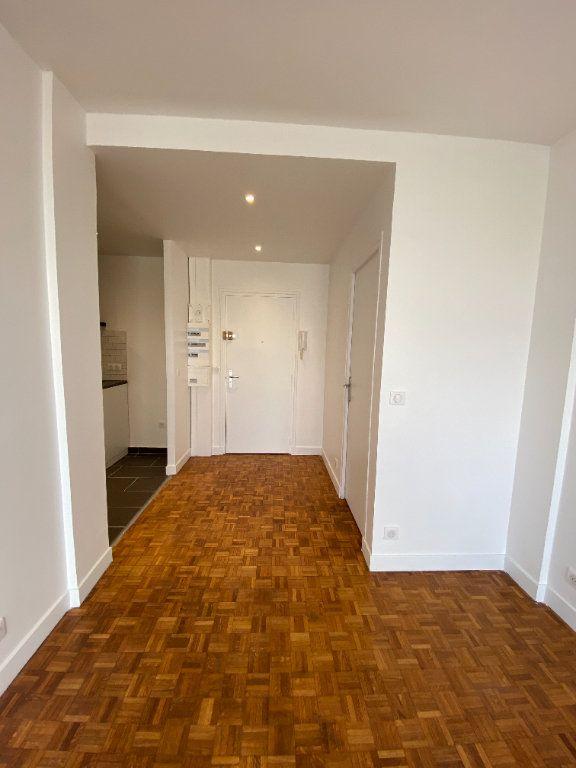 Appartement à louer 3 53m2 à Romainville vignette-11