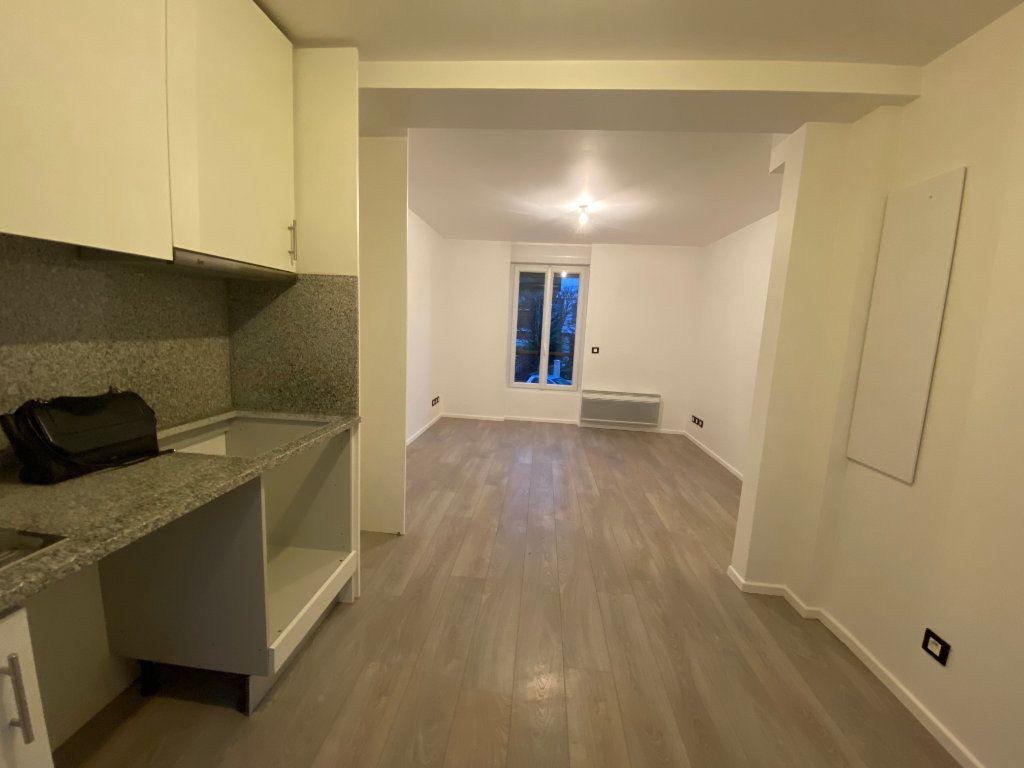 Appartement à louer 2 38m2 à Saint-Maur-des-Fossés vignette-5