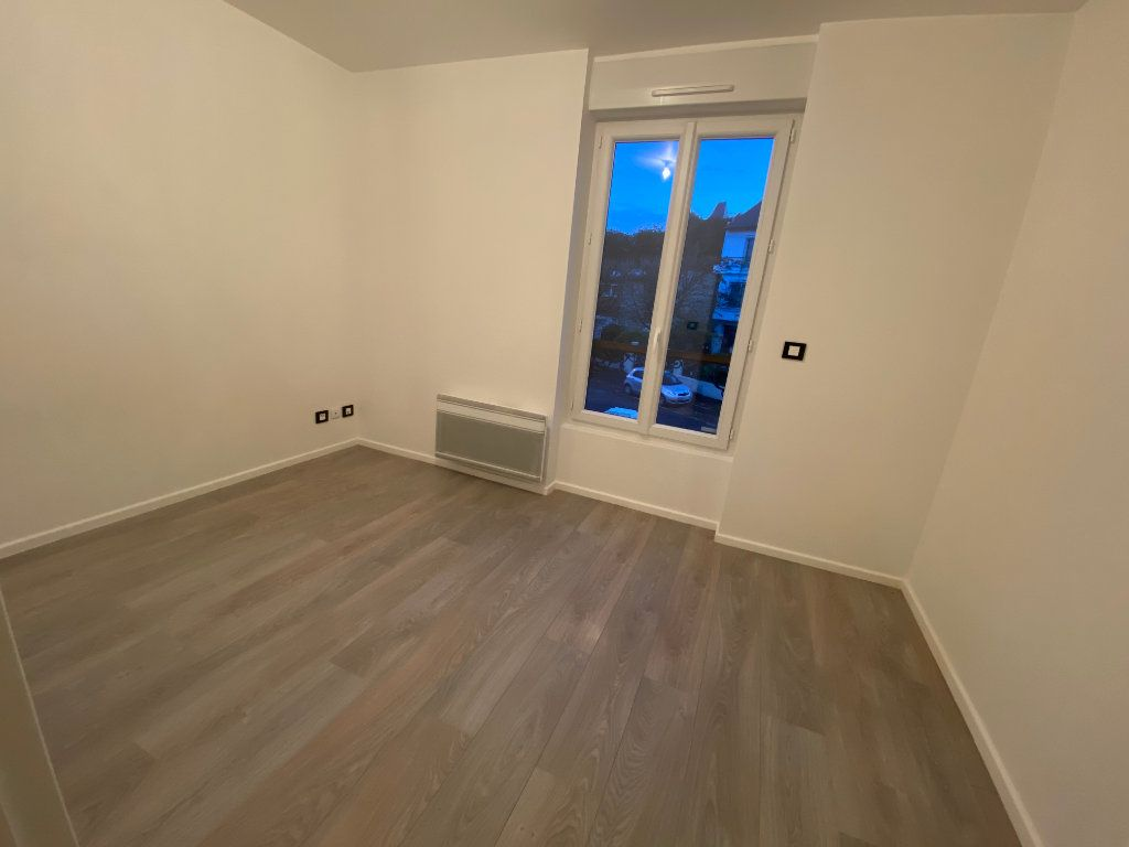 Appartement à louer 2 38m2 à Saint-Maur-des-Fossés vignette-8