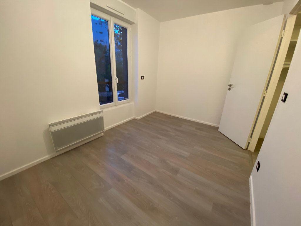 Appartement à louer 2 38m2 à Saint-Maur-des-Fossés vignette-9