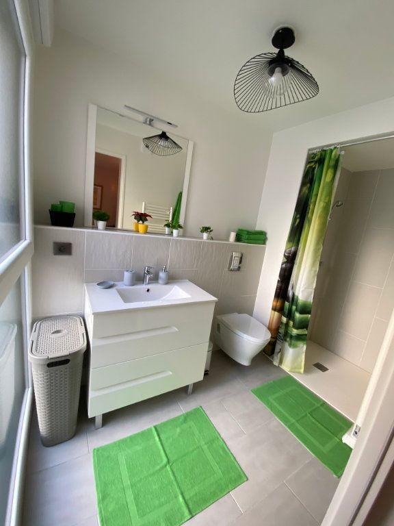 Appartement à louer 1 26.4m2 à Romainville vignette-8