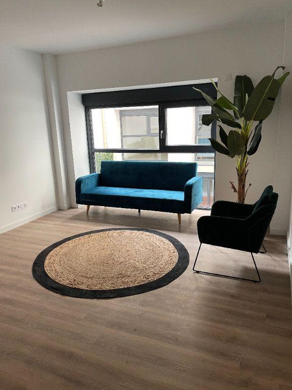 Appartement à louer 2 33m2 à Cannes vignette-1