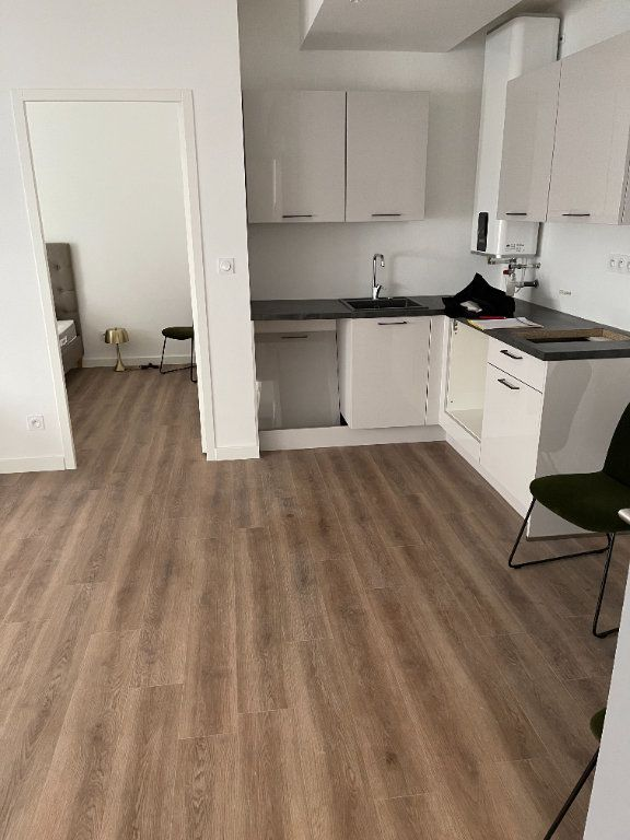 Appartement à louer 2 33m2 à Cannes vignette-4