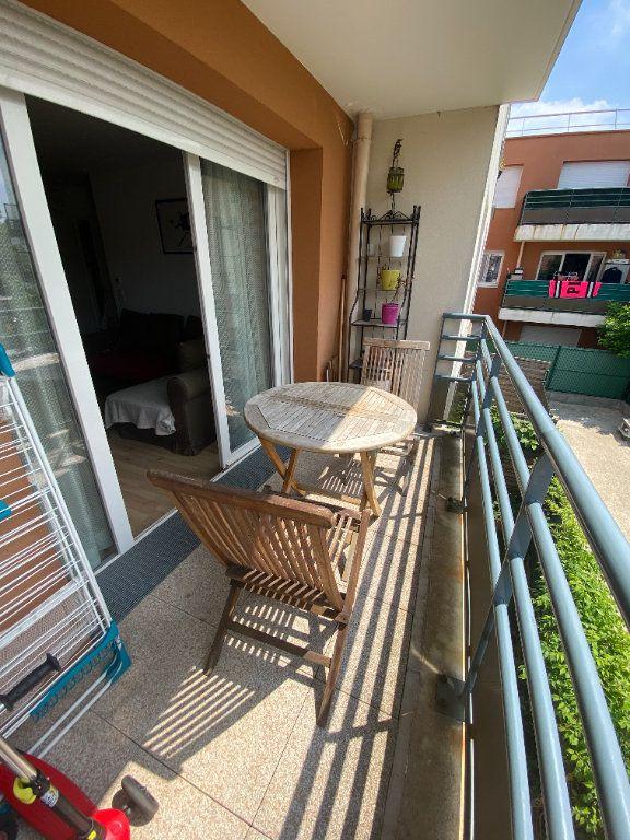 Appartement à louer 3 60m2 à Romainville vignette-6