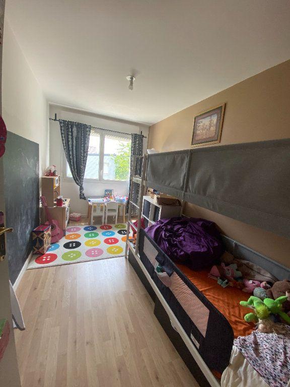 Appartement à louer 3 60m2 à Romainville vignette-10