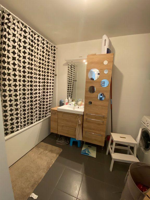 Appartement à louer 3 60m2 à Romainville vignette-11