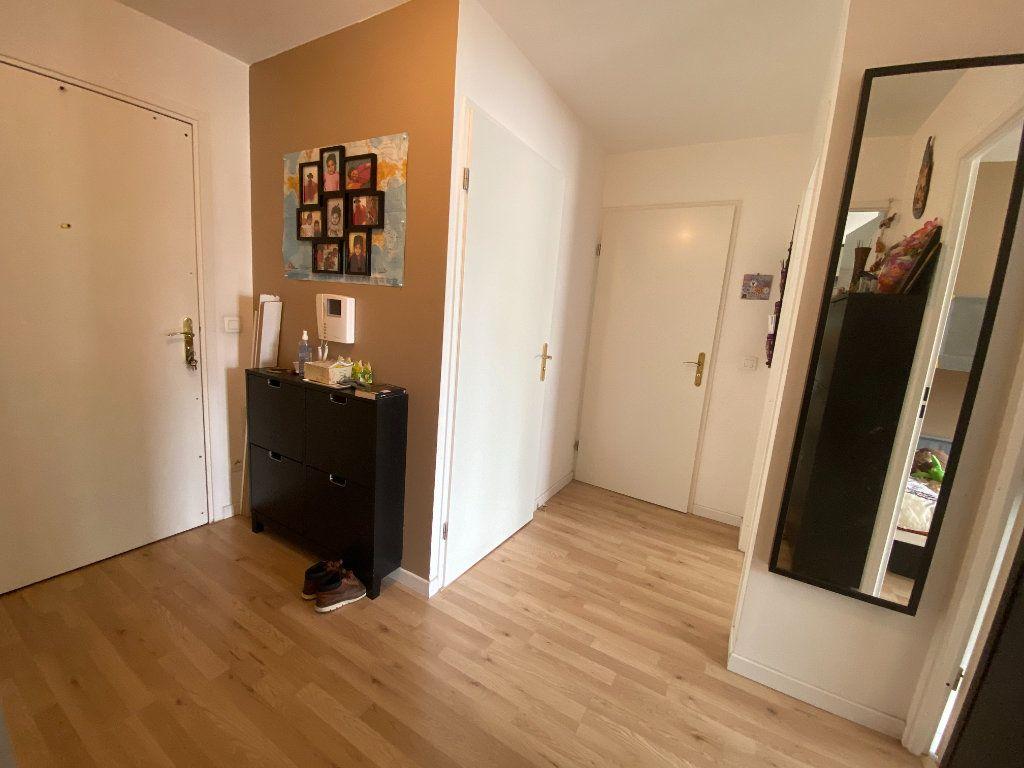 Appartement à louer 3 60m2 à Romainville vignette-12