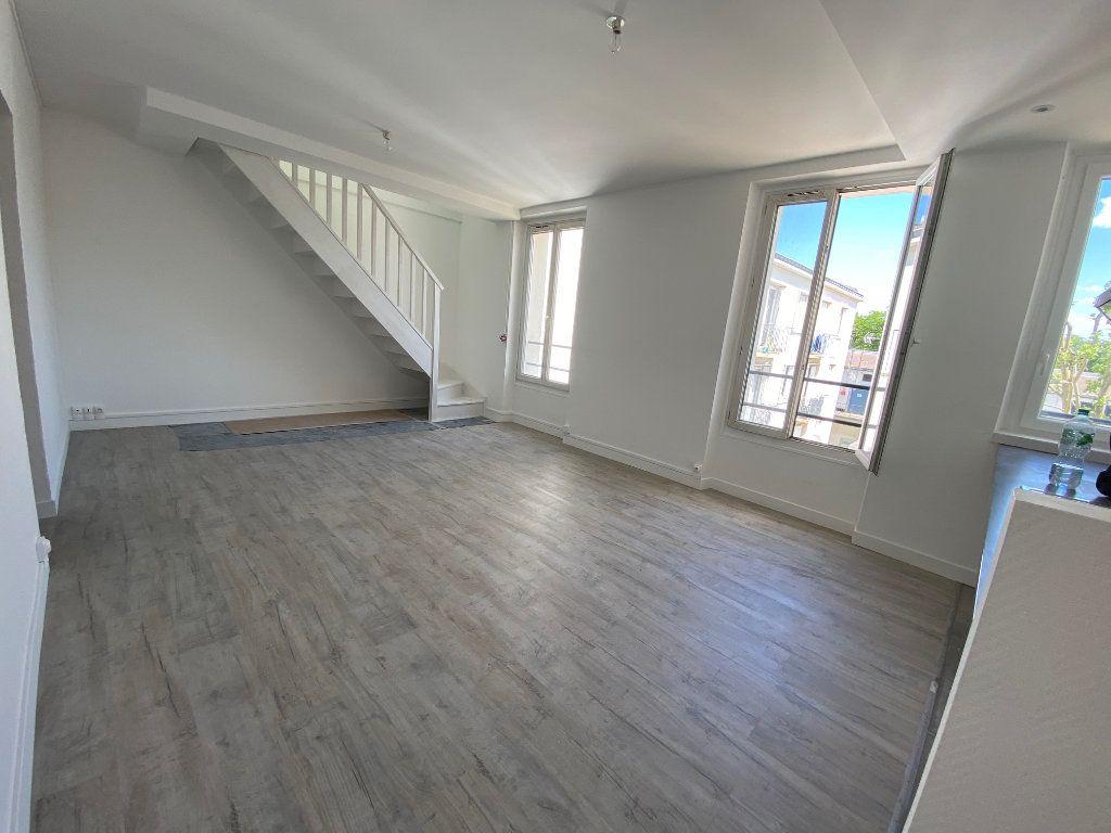 Appartement à louer 4 85m2 à Noisy-le-Sec vignette-1