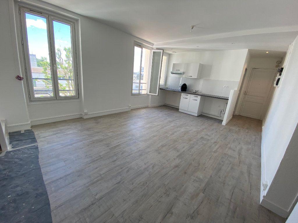 Appartement à louer 4 85m2 à Noisy-le-Sec vignette-3