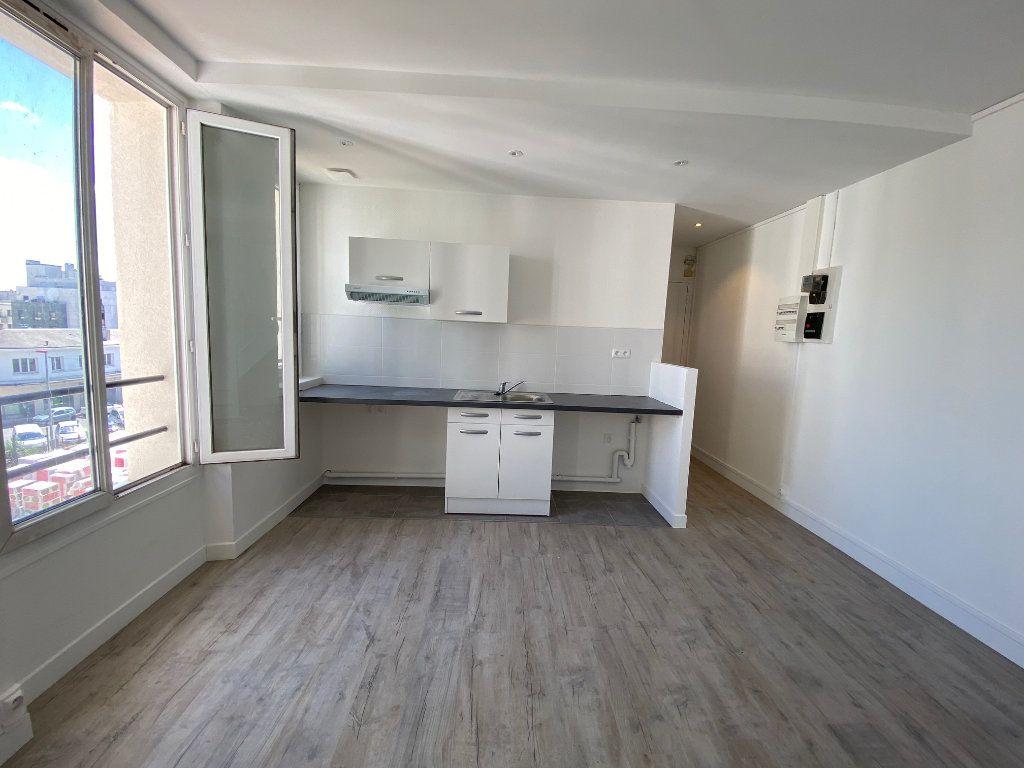 Appartement à louer 4 85m2 à Noisy-le-Sec vignette-4