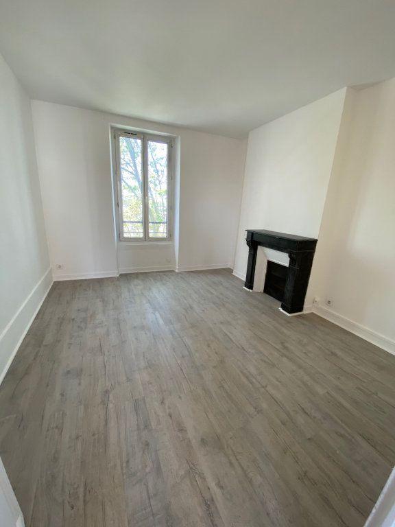 Appartement à louer 4 85m2 à Noisy-le-Sec vignette-5