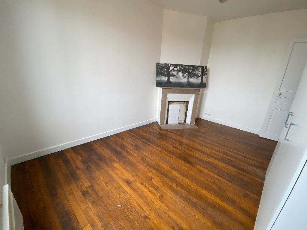 Appartement à louer 3 41m2 à Romainville vignette-5