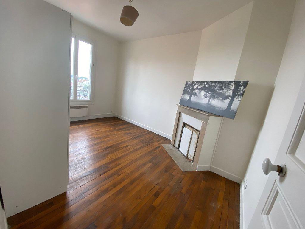 Appartement à louer 3 41m2 à Romainville vignette-6