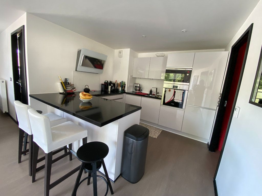 Appartement à louer 3 63m2 à Noisy-le-Sec vignette-1