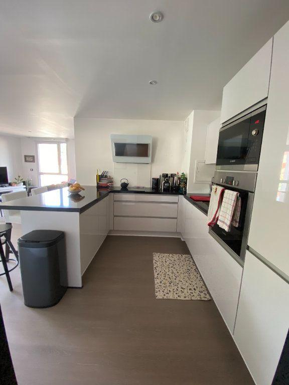 Appartement à louer 3 63m2 à Noisy-le-Sec vignette-3